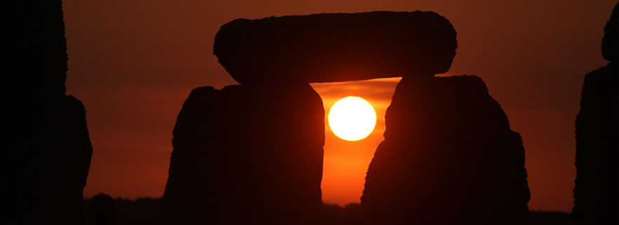 sosltizio-estate-Stonehenge_882x321jpg